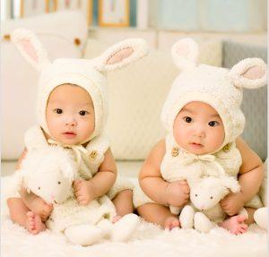 Hermanos gemelos mellizos