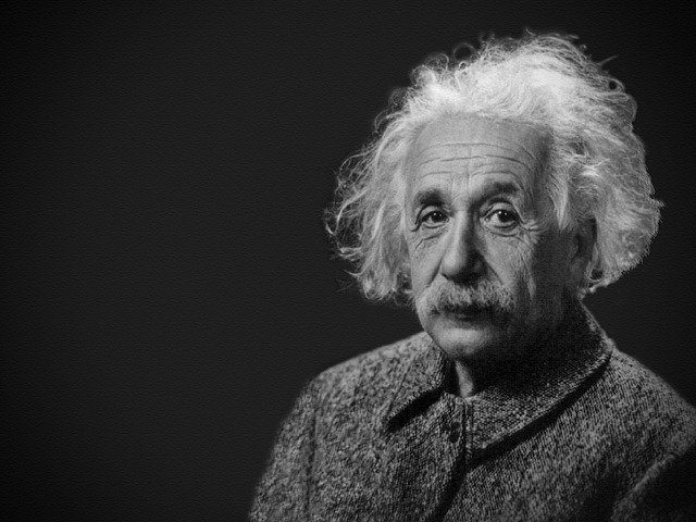 Albert Einstein - Teorías e hipótesis