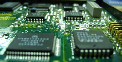Microchips de aqrquitecturas risc y cisc