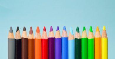 Lápices de colores primarios y secundarios